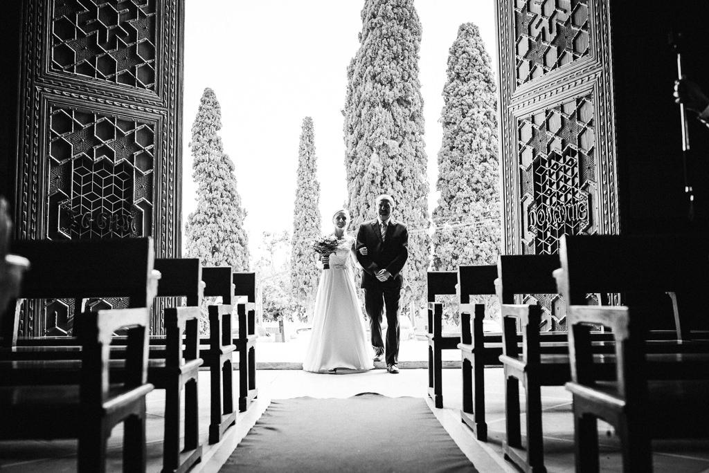 bride walking down the aisle girona wedding photography