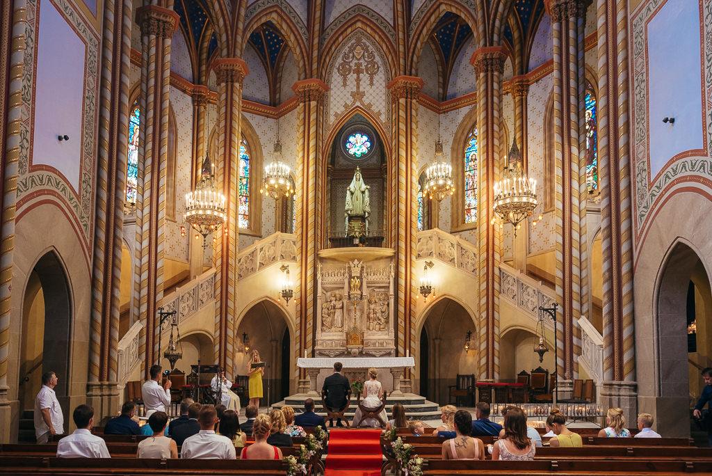 wedding ceremony church arenys de mar