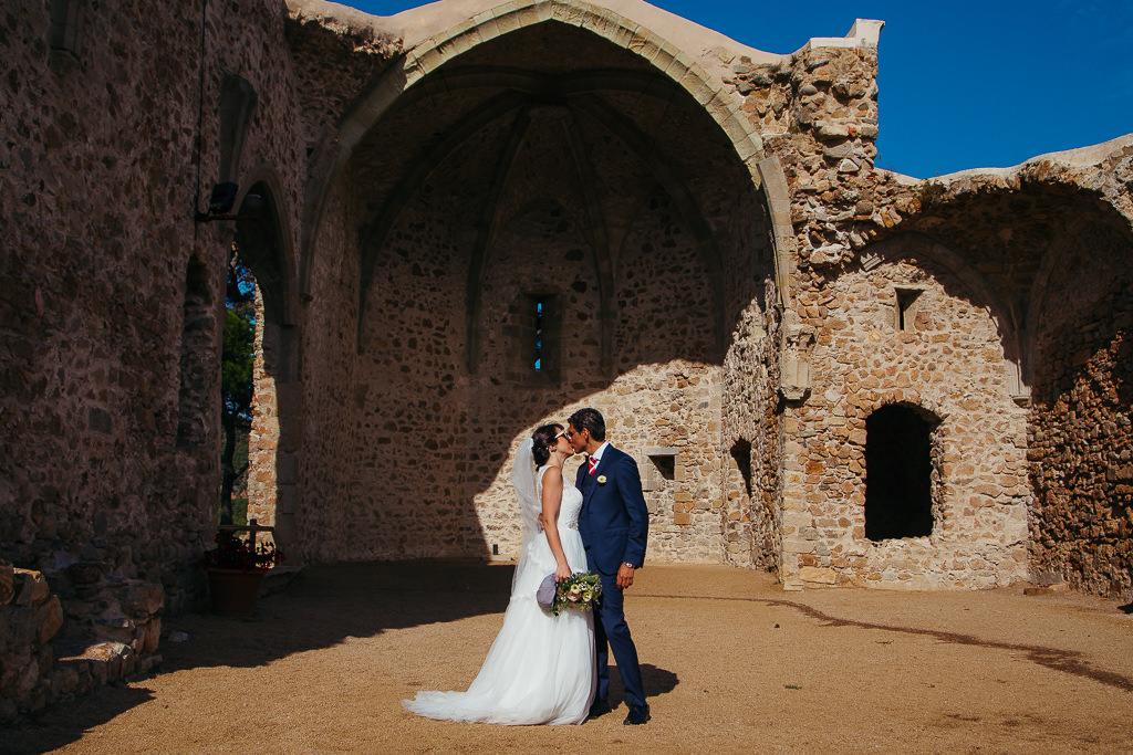 beautiful photo of the newly married couple wedding tossa de mar girona