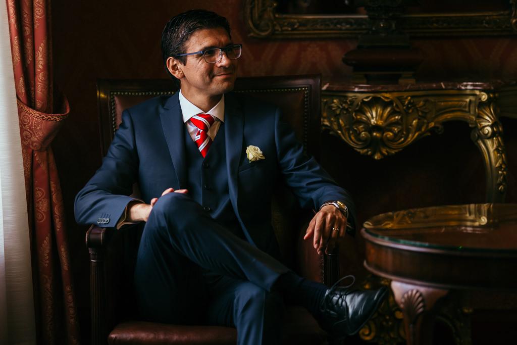 groom portrait ideas wedding barcelona