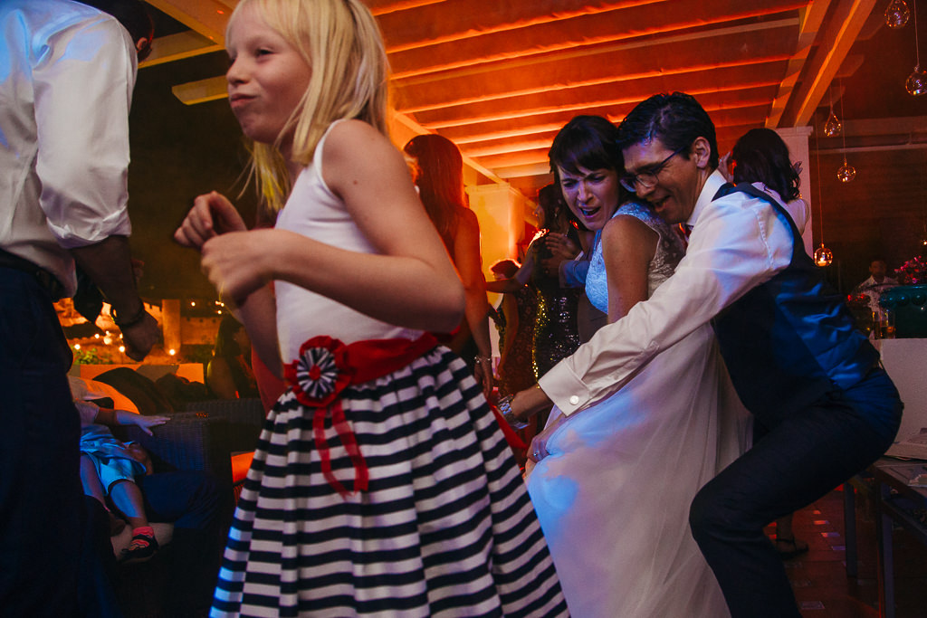 crazy documentary wedding photo girona
