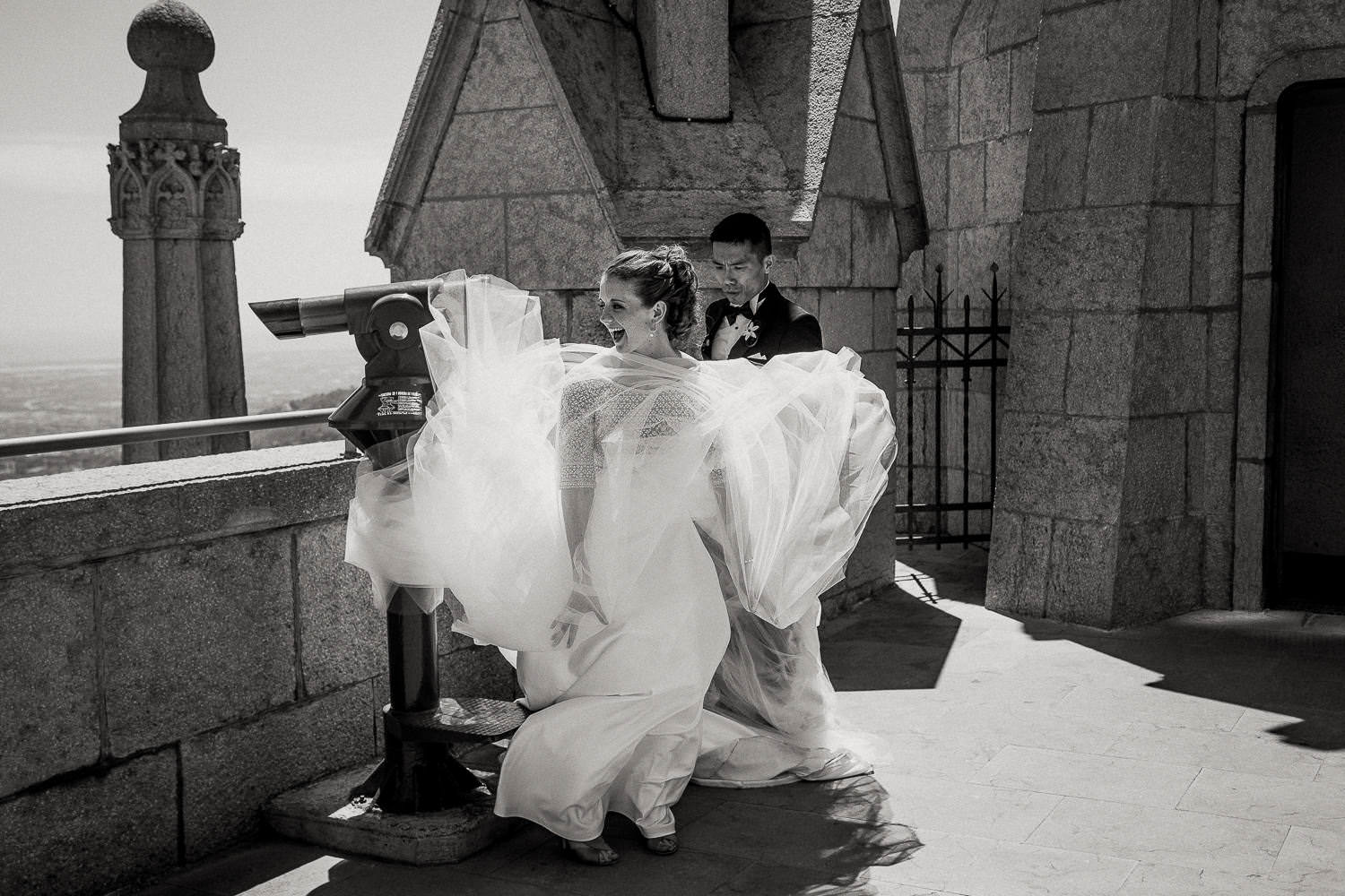 Barcelona wedding photographer, Tibidabo church, funny moments