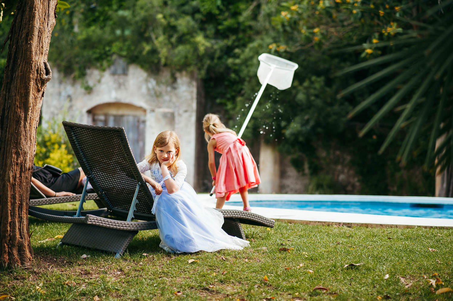 funny photo kids at weddings barcelona wedding photographer