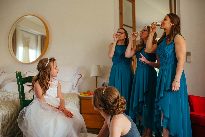 bride's maids beautiful documentary photo wedding barcelona
