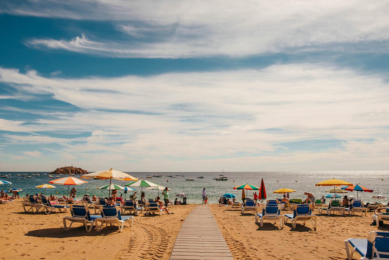 beautiful photo of tossa de mar beach at a wedding day