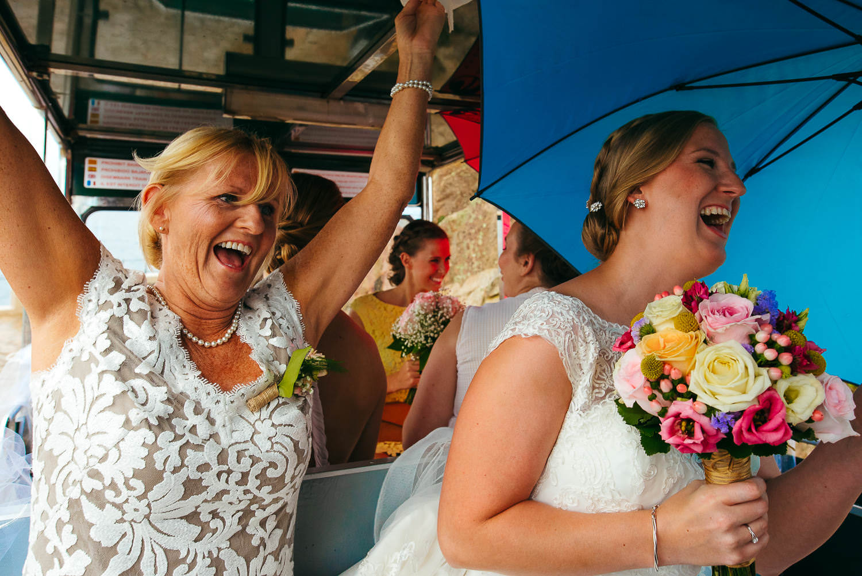 mother daughter documentary photo wedding faro de tossa