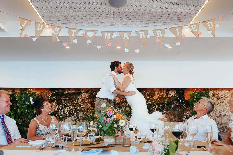 fun photo ideas wedding reportage barcelona